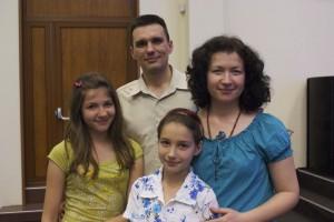 nikola and family